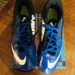 NikeSize 9 Cleats